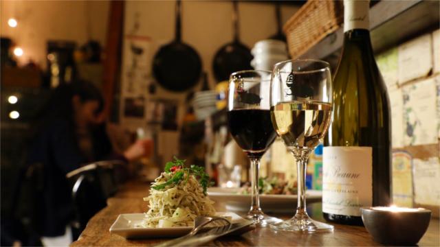素材にこだわった料理と美味しいワインをご提供